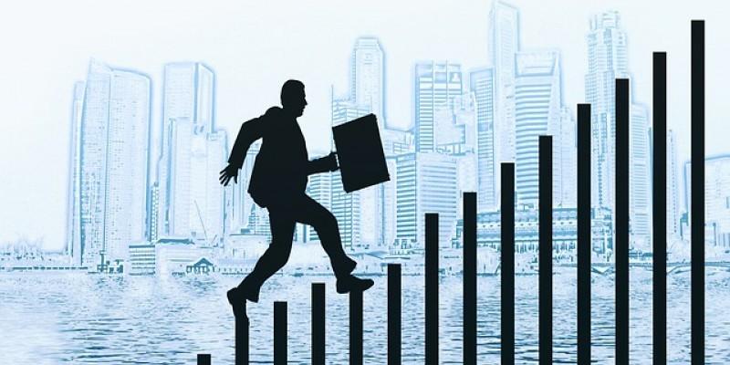 Ainda que pareça a mesma coisa e estejam relacionados, emprego e carreira são dois caminhos bem diferentes. Qual você está trilhando?