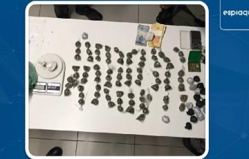 Policiais da Operação Forte apreendem droga na Rua da Lata, em Caruaru