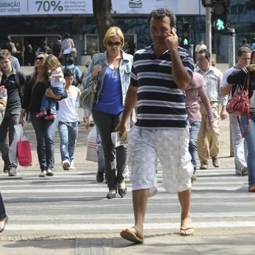 Desemprego cai para 11,8% e número de trabalhadores por conta própria bate os 24,2 milhões de pessoas