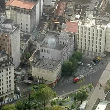 Antigo Prédio do Diario de Pernambuco é atingido por incêndio