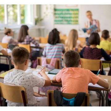 Inadimplência escolar continua atormentado os pais, responsáveis e gestores das escolas particulares