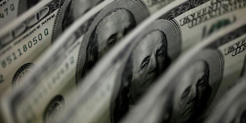 Bolsa sobe e ultrapassa 113 mil pontos pela primeira vez no mês
