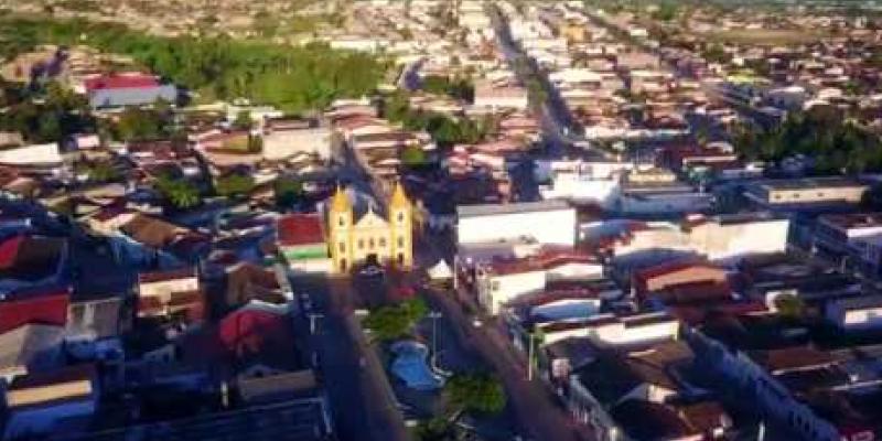 A Compesa prevê abastecimento do município através de caminhões pipa