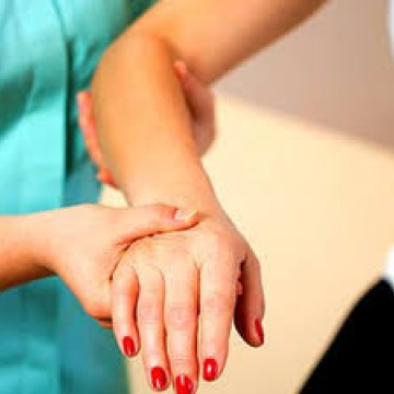 Lei determina atendimento prioritário às pessoas com fibromialgia