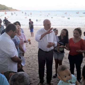 Arquidiocese de Olinda e Recife recebe doações de materiais para limpeza das praias