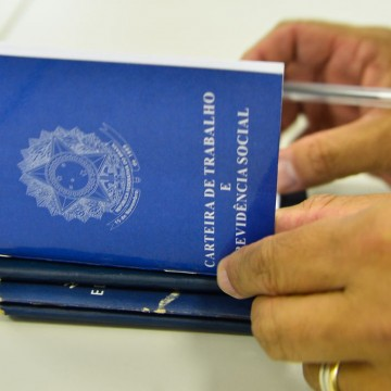 País registra criação de 394,9 mil vagas de emprego no mês de outubro