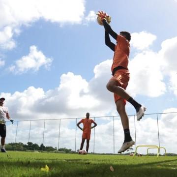 Preparador físico tricolor elogia condicionamento dos atletas na volta aos treinos
