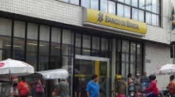 Bancos abrem em horário especial nesta terça-feira (24)