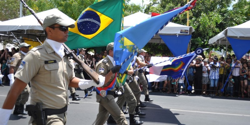 Com o feriado nacional, alguns órgãos e estabelecimentos não abrem e emendaram o final de semana com a data comemorativa na Região Metropolitana do Recife