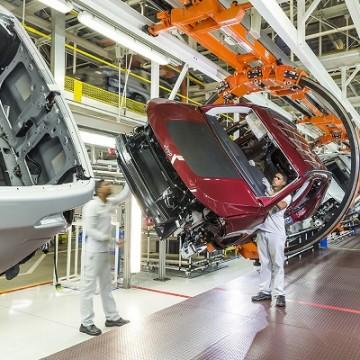 Polo Jeep acelera transformação digital com projetos inovadores de empregados