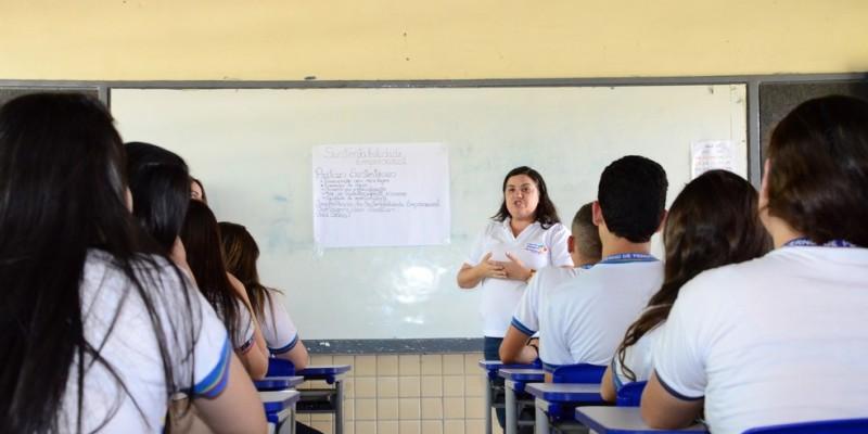 Segundo a pasta Estadual, hoje, 57% das vagas ofertadas no primeiro ano do Ensino Médio são atendidas por unidades de regime integral