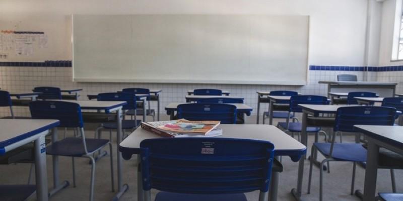 Para a doutora em educação Catarina Gonçalves, as aulas remotas não conseguem reverter o maior prejuízo com a suspensão das atividades, as relações sociais
