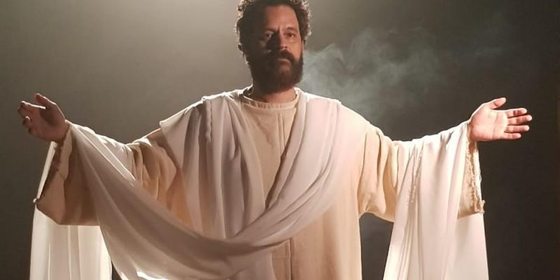 """O espetáculo """"Paixão de Cristo – Jesus, a Luz do Mundo"""" será disponibilizado para a população através do portal do turismo do Recife"""