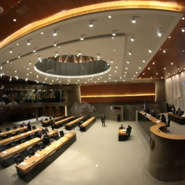Deputados propõem três alterações na Constituição de Pernambuco