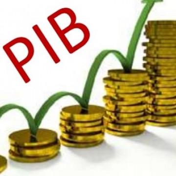 PIB cresce 0,8% no trimestre encerrado em novembro, aponta FGV