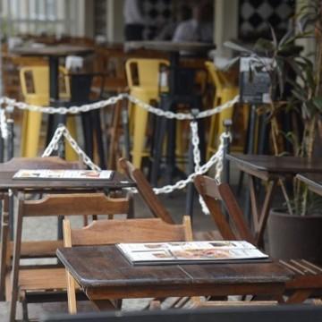 91% dos bares e restaurantes sem condições de pagar os salários de abril