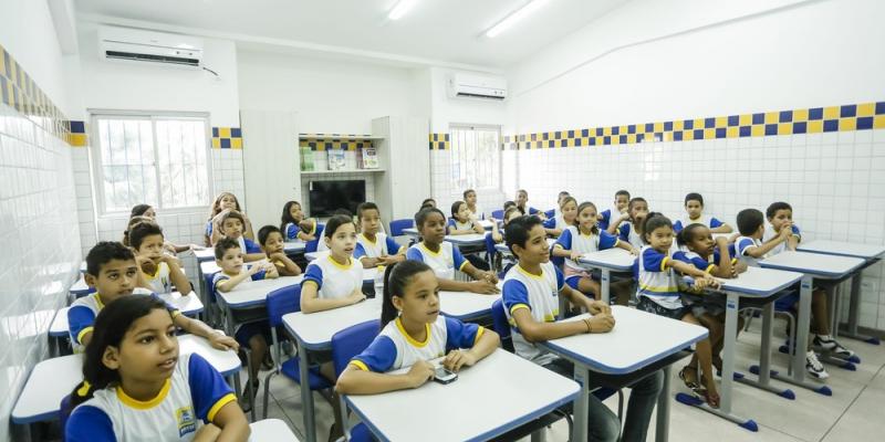 A iniciativa pretende melhorar os resultados de aprendizagem dos estudantes, trabalhando em parceria com os municípios