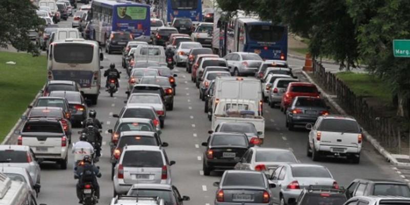 Veículos movidos a energia podem ser a saída para o futuro sem poluição