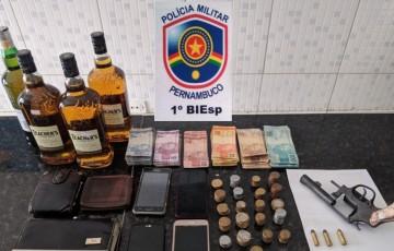 Homem é preso praticando assalto em Caruaru
