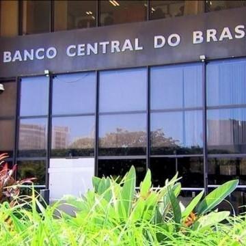 Medida do BC de cobrar 0,25% pela disposição do cheque especial é inaceitável, afirma Daniel Coelho