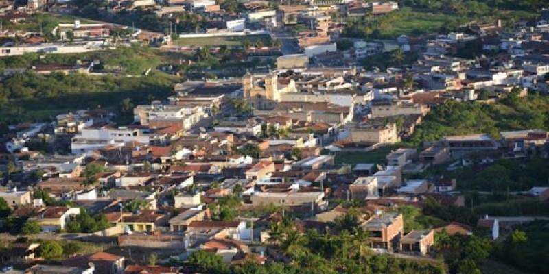 Cumaru, de acordo com um levantamento realizado pelo G1, aponta diferença entre eleitores e moradores de 5.143 pessoas