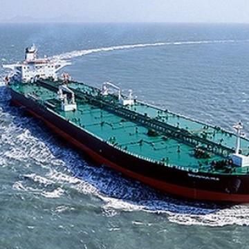 Navio responsável por vazamento de óleo carregou 1 milhão de barris de petróleo