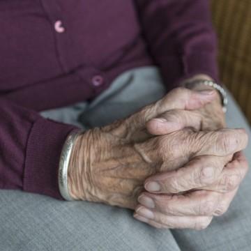 Pandemia provoca aumento da violência contra os idosos no estado