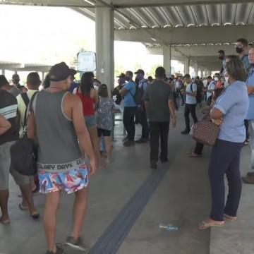 Rodoviários iniciam greve por tempo indeterminado na RMR