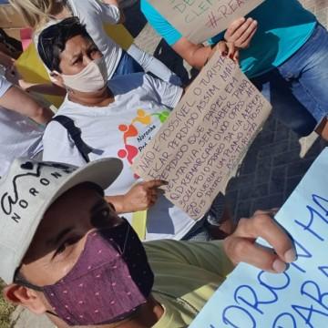 Protesto no Recife e em Noronha cobra mudança na reabertura da ilha
