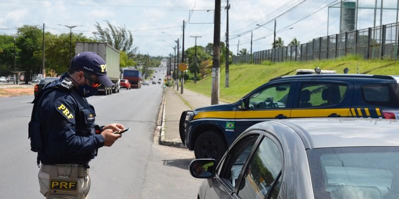 A fiscalização conta com o auxílio do Batalhão de Polícia Rodoviária e da Polícia Rodoviária Federal e tiveram início nesta sexta-feira (30) e vão até às 5h da manhã da próxima terça (3)