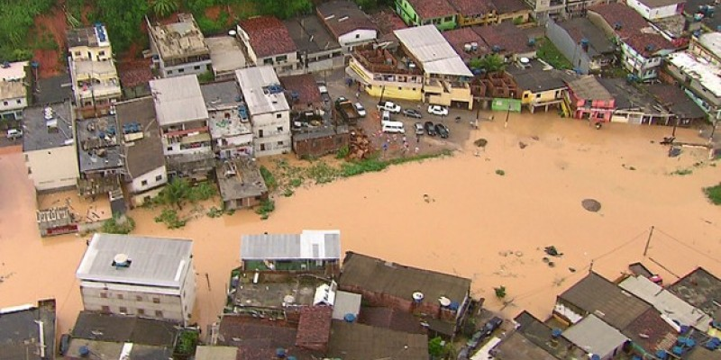 O documento tem o objetivo de implantar um modelo de gestão em casos de desastre