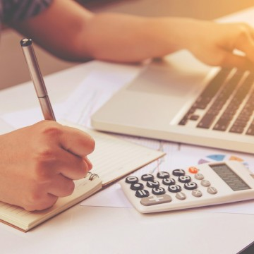 Utilização do cheque especial não é recomendada por economistas