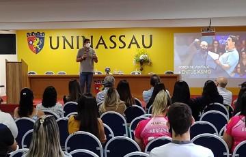 Técnico olímpico  faz palestra em Caruaru e é homenageado