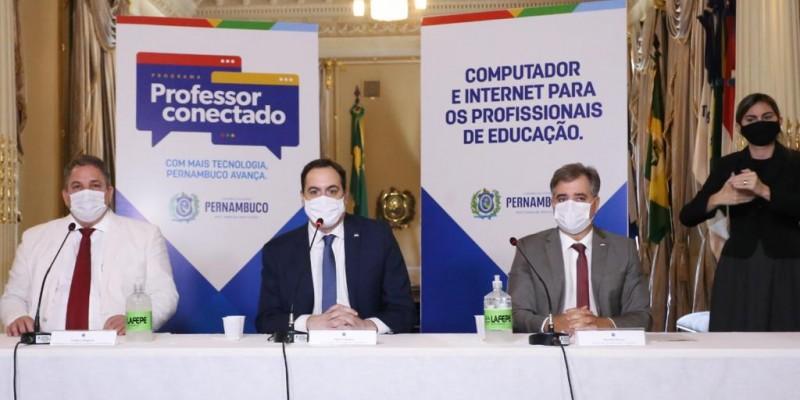 Segundo o governo do Estado, o programa tem investimento de R$ 115 milhões além da disponibilização de máquinas