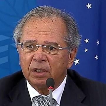 Voucher para trabalhador informal vai durar três meses, diz Guedes