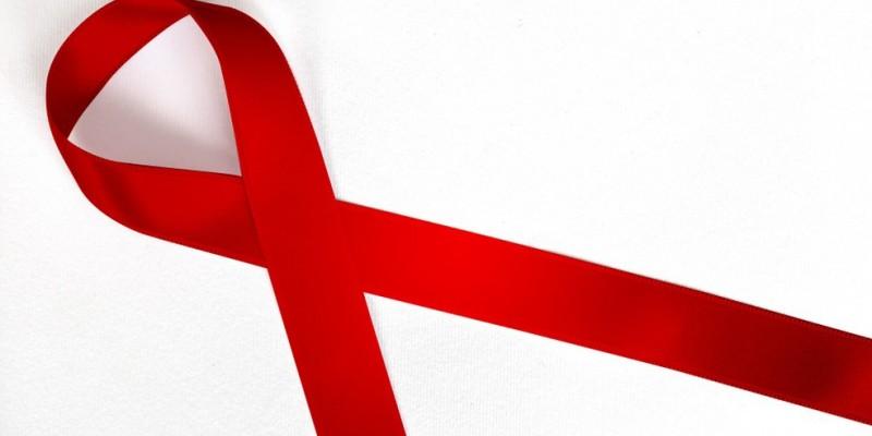 Nesta terça-feira (01), dia Mundial de Luta contra a Aids, a Secretaria de Saúde faz um alerta para a conscientização sobre prevenção, diagnóstico precoce e tratamento do HIV e da Aids