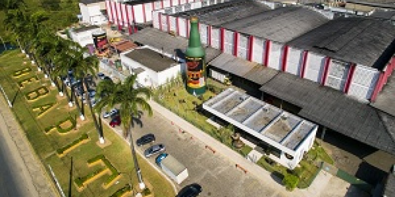 A cachaça pernambucana integra o ranking das 20 marcas de bebidas com maior produção do mundo