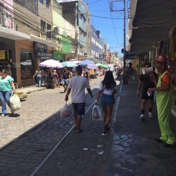 Pagamento da 1ª parcela do 13º deixa comércio do Recife otimista para vendas de fim de ano