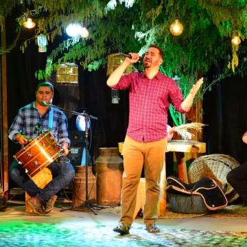 Música Brasileira, Cultura Pernambucana e Educação Fundamental em Boston