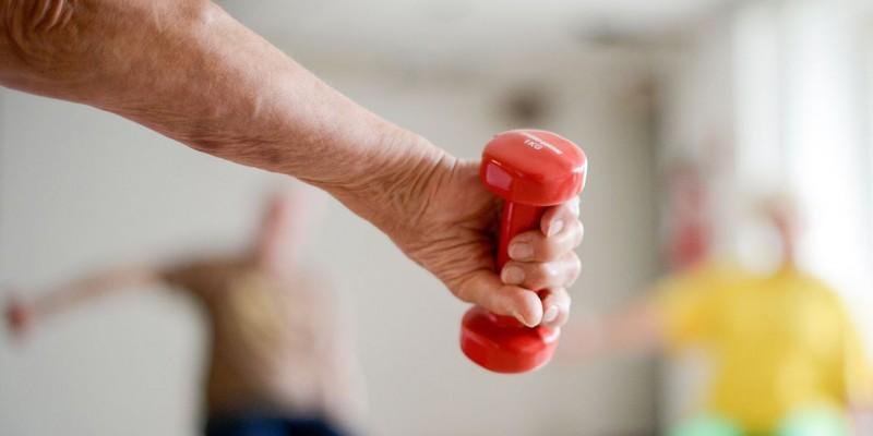 Saúde mental e física melhoram mais quando prática é supervisionada