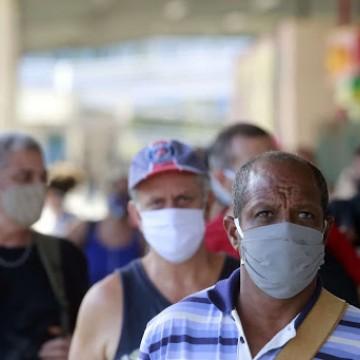 Lei que torna uso de máscaras obrigatório é regulamentada pelo estado