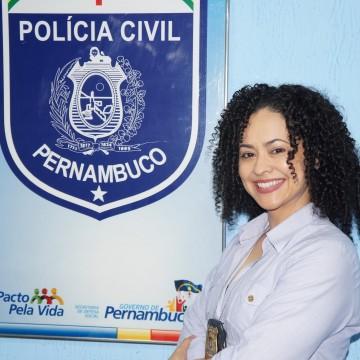 Delegada Jimena Gouveia comenta a importância do dia da mulher e o combate a violência contra a figura feminina