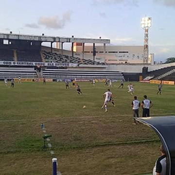 Central de Caruaru empata com o Santa Cruz por 1 a 1
