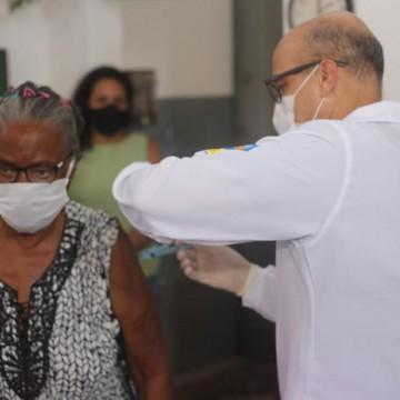 Idosos de instituições de longa permanência de Olinda estão vacinados