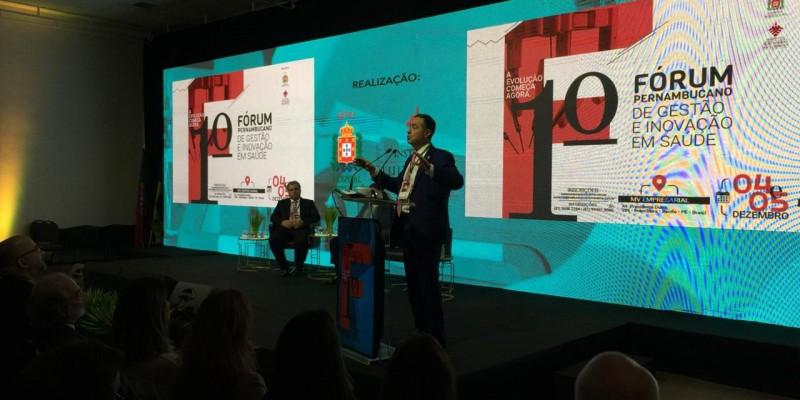 O encontro realizado vem com a proposta de reunir profissionais das áreas médicas e jurídicas para discutir o sistema de saúde brasileiro