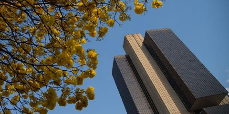 Apesar do aumento na inflação, Banco Central decidiu não mexer na Selic