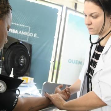 Cardiologistas lançam aplicativo gratuito para monitorar a pressão arterial