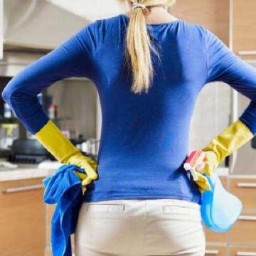 Mulher pernambucana gasta mais que o dobro de tempo dos homens em tarefas domésticas e tem piores índices de desemprego