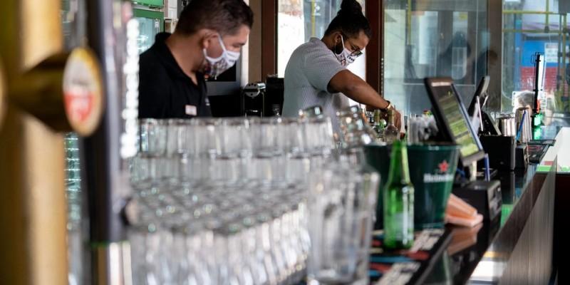 A decisão do Governo do Estado de prorrogar as medidas restritivas que já estão em vigor desde o dia 6 de junho preocupa a Associação Brasileira de Bares e Restaurantes de Pernambuco