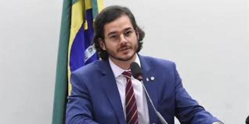 O deputado do PDT- PE votou contra a flexibilização da proposta